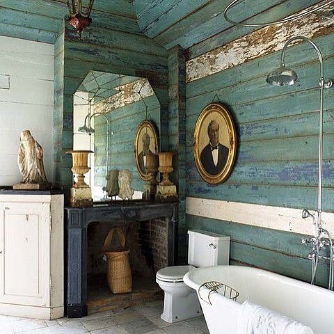 Chic Rustic Bathroom With Distressed Wood Plank Walls And Cladding