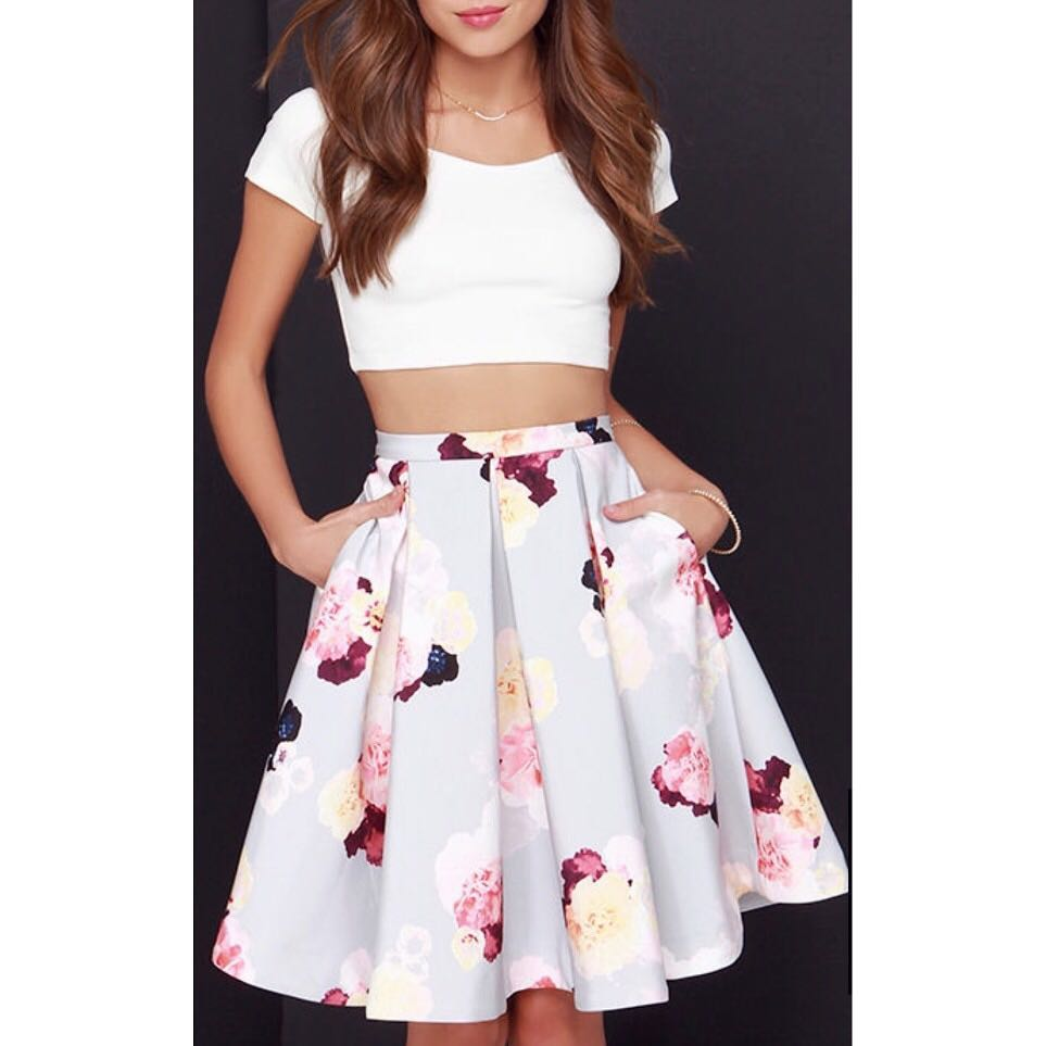 Crop Blouse With Fluffy Short Skirt
