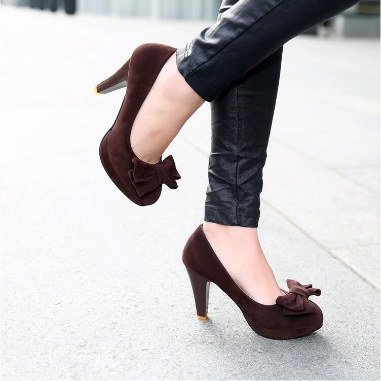Dark Brown Thick High Heel Pumps With Bow On The Top