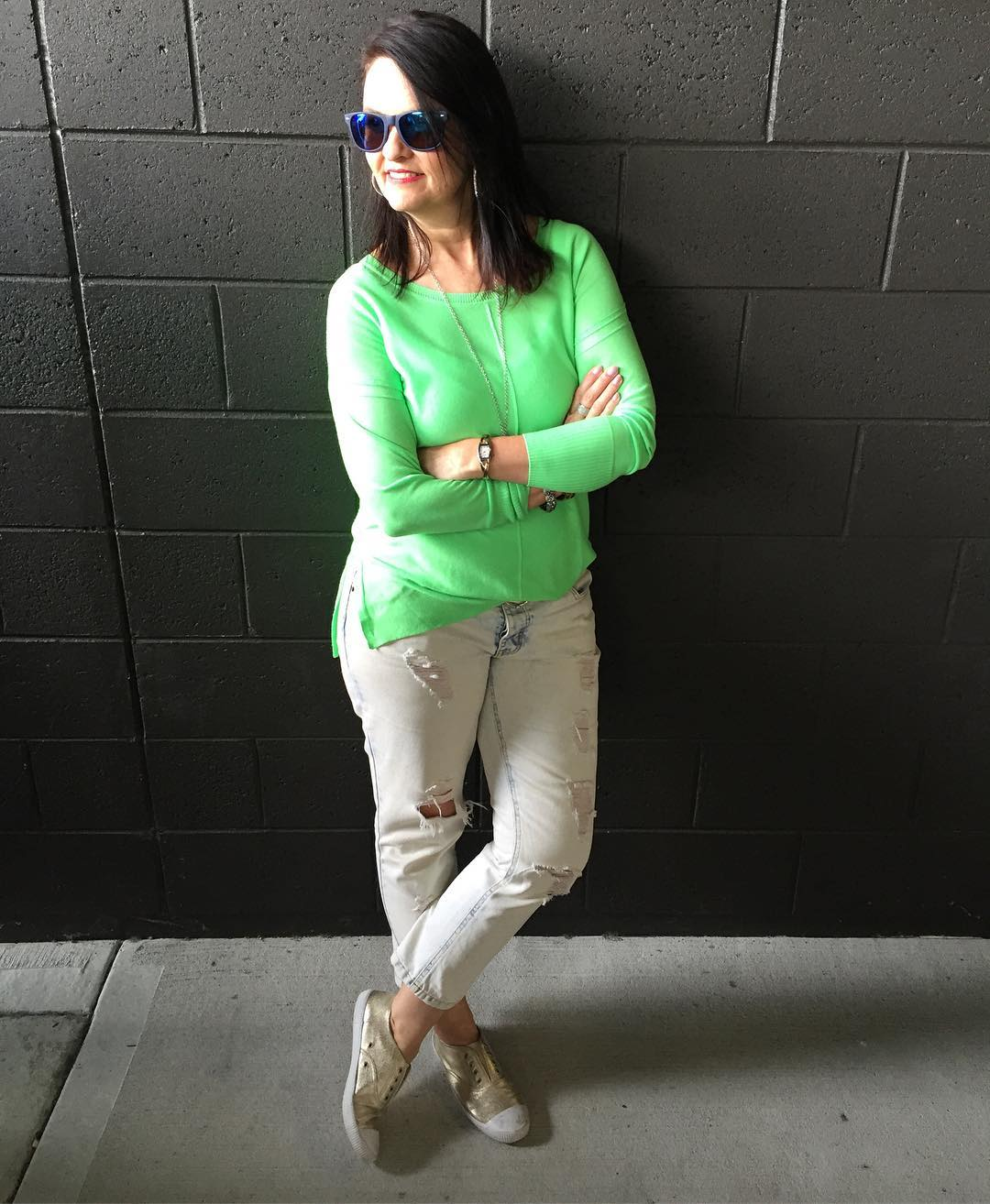 Fantastic Green Top With Distressed Jeans For Summer Look