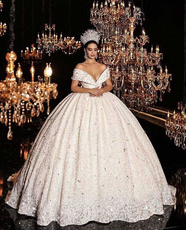 Highly Detailed Fluffy Gown With Crown