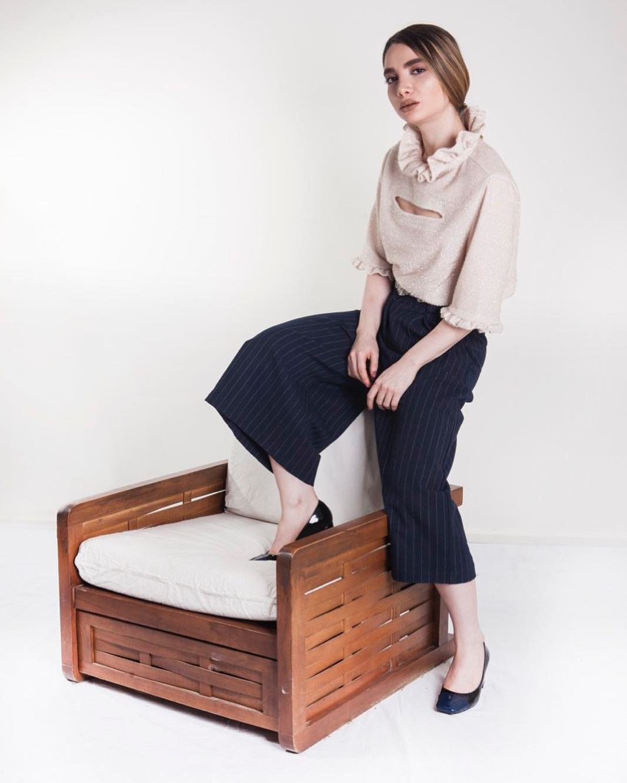 Impressive Crop Pant With Stylish Sweater