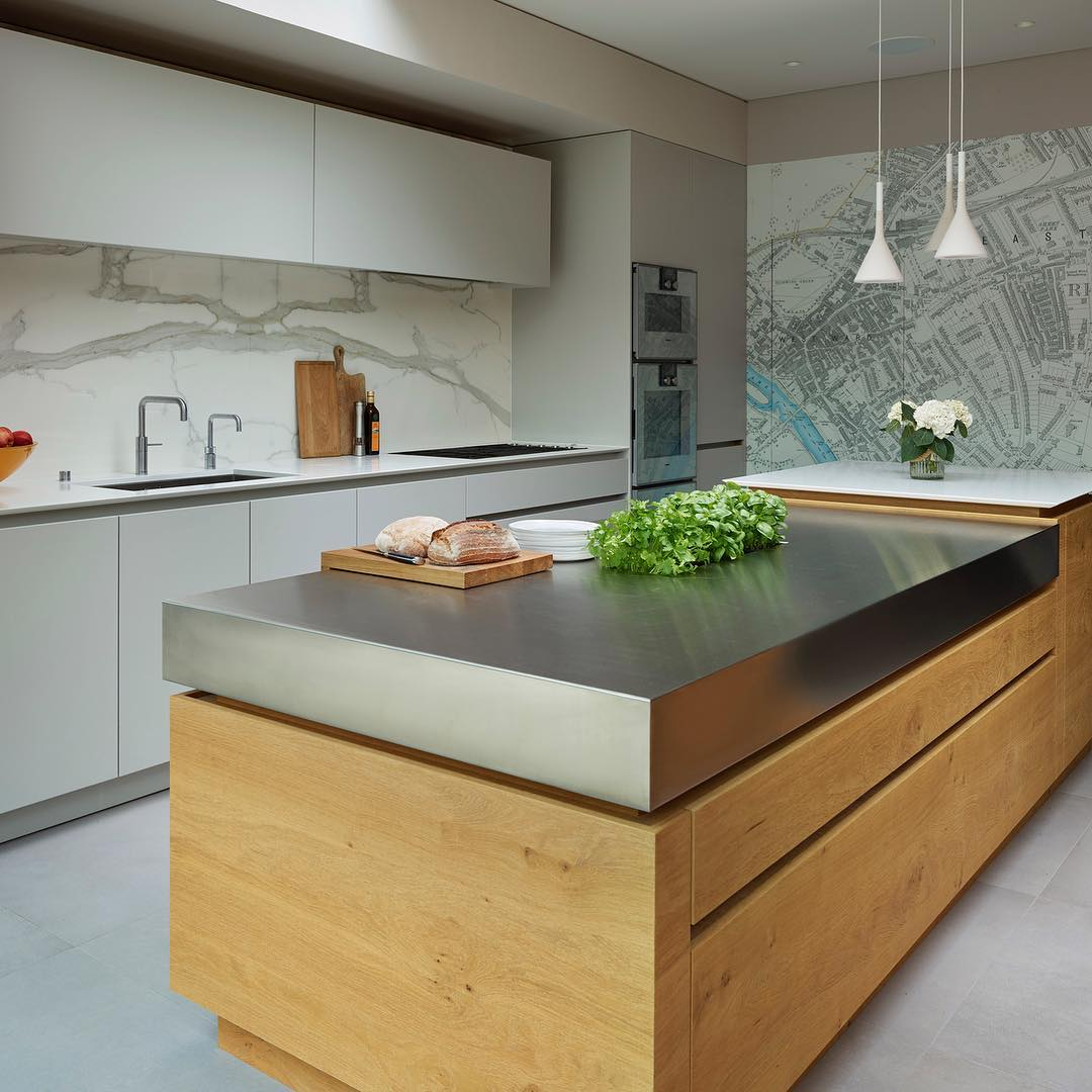 Lovely Textures With Rough Sawn Oak, Stainless Steel, Matt Lacquer And Natural Stone