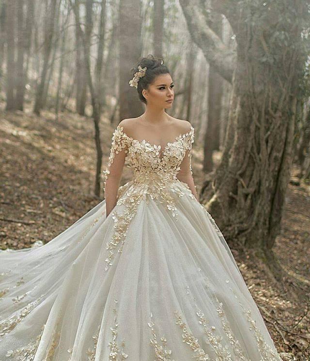 Luxury Off Shoulder Lacy Wedding Dress
