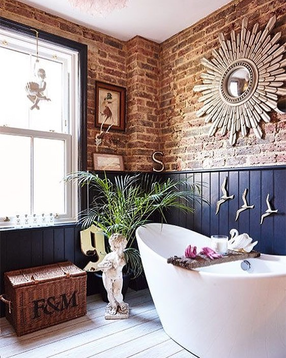 Ravishing Exposed Brick Wall And A Free Standing Bath