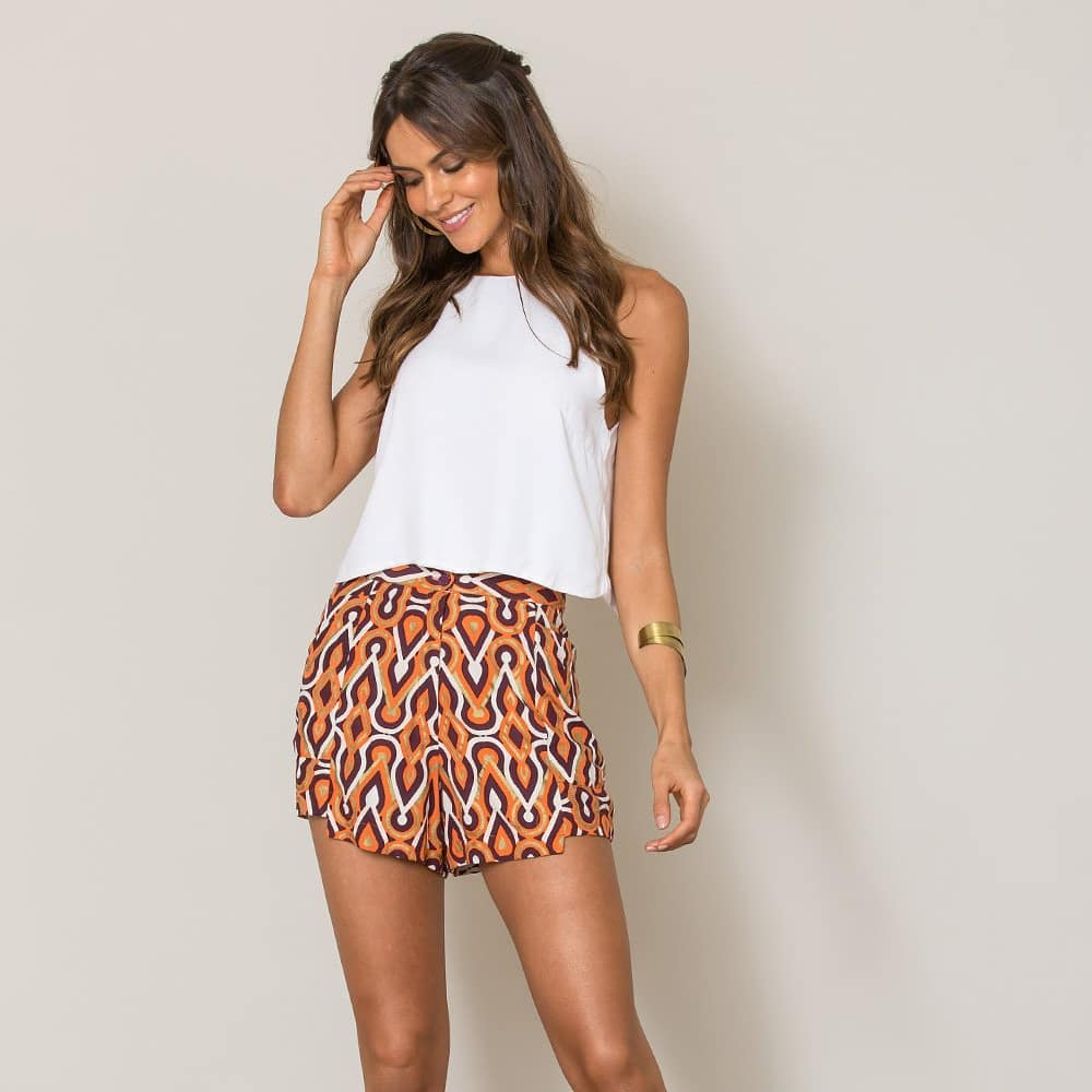 Soft And Comfortable Retro Style Gorgeous Print Shorts With White Top