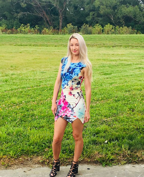 Stylish Colorful Summer Short Dress With High Heels