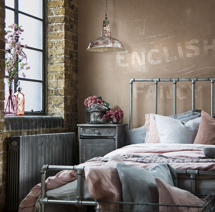 ... Attractive Vintage Furniture For Vintage Style Bedroom Decor ...