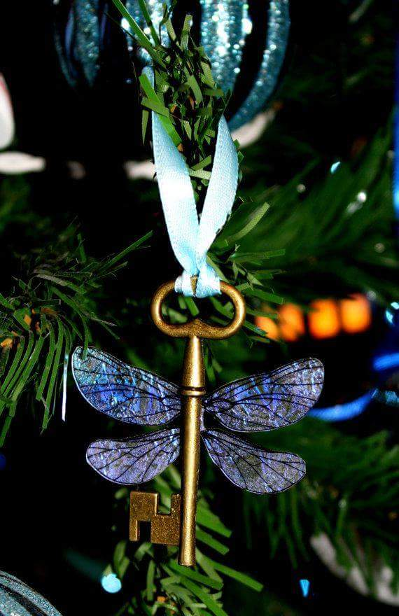 Beautiful Dragon Fly Winged Keys Christmas Tree Craft