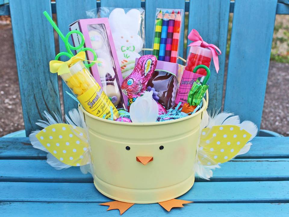 Budgetary Feathered Chick Easter Bucket