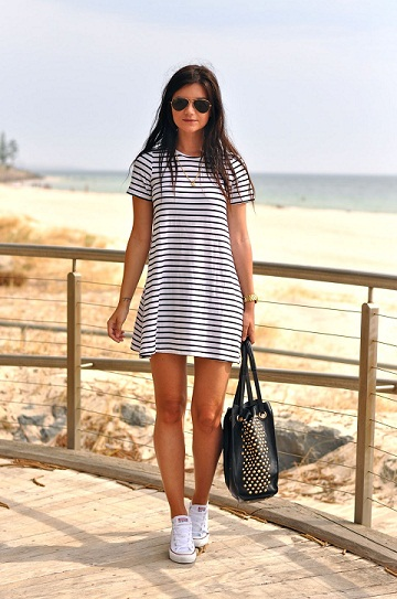 Cool Striped Short Cotton Dress With White Sneakers For Breeze Spring