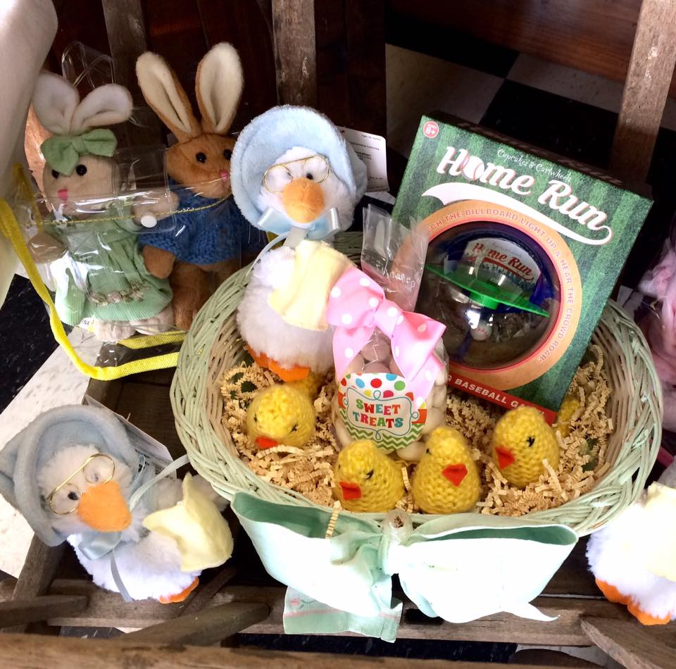 #17 Crochet Chicks Decorative Basket Ideas For Easter Via & Best 55 Easter Basket Ideas You Will Love