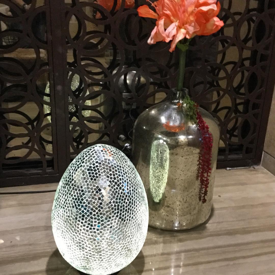 Dazzling Mirror Decor On Egg