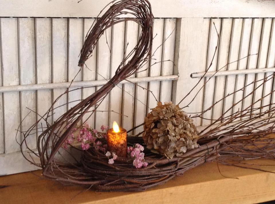 Glamorous Spring Swan Basket Idea