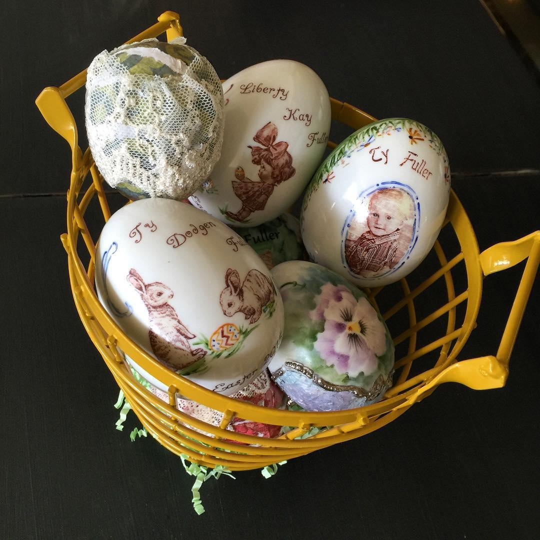 Hand Painted Lovely Egg Decor