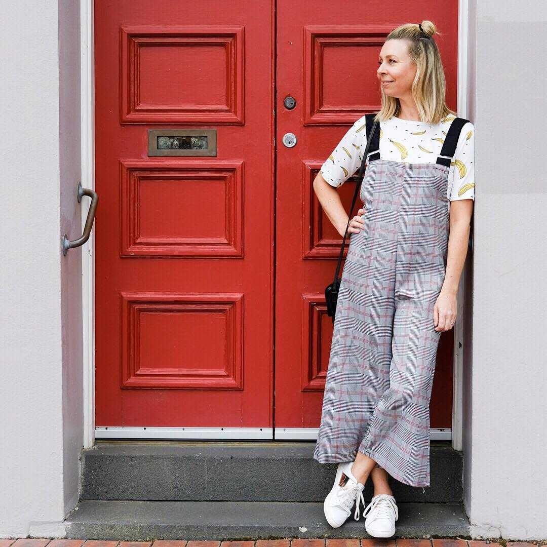 405d081c1e1d  30 Modern Outfits To Try This Summer With Wide Plaid High Waist Pants Via