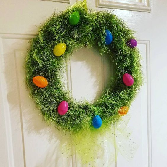 Natural Handmade Grass Easter Wreath With Colorful Eggs