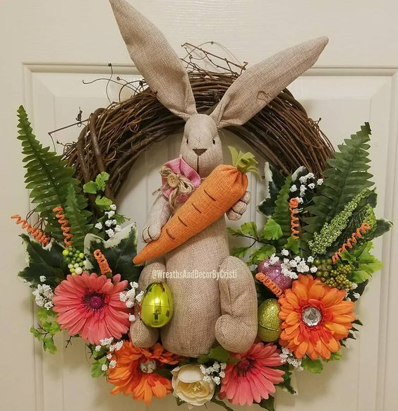 Playful Bunny And Carrot Decorated Wreath For Easter