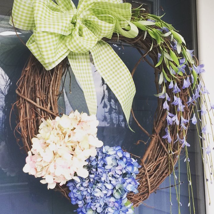 Pretty Real Flower Wreath To Freshen Up Easter