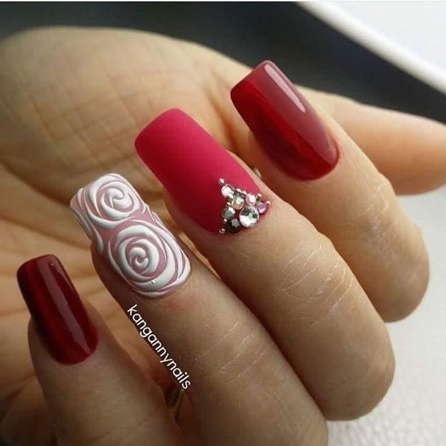 Дизайн ногтей  2018 красные с черным 1