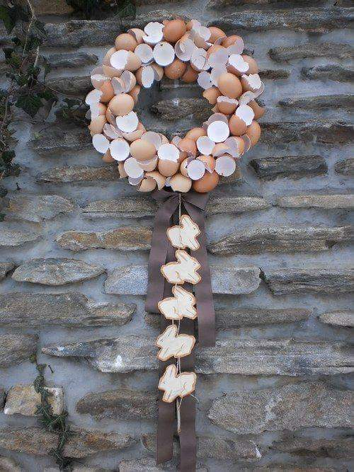 Stunning Idea To Used Broken Egg Shells As Wreath