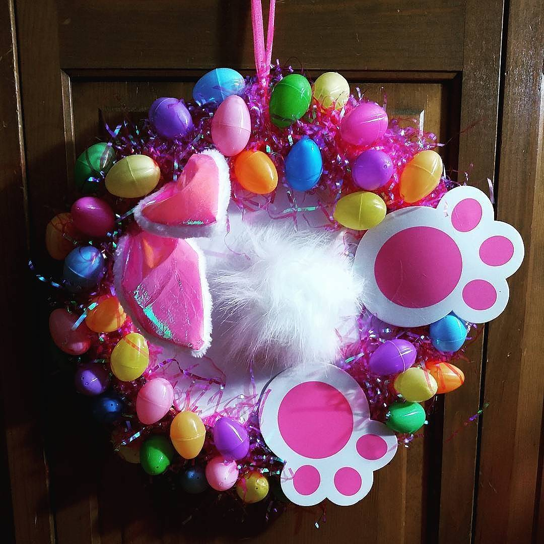 Superb Bunny Bottom Wreath Idea For This Easter