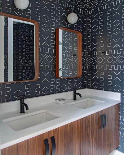 Adorable Black & White Bathroom With Wooden Framed Mirror