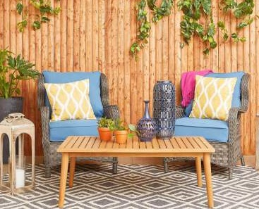 Beautiful Tropical Style Outdoor Decor