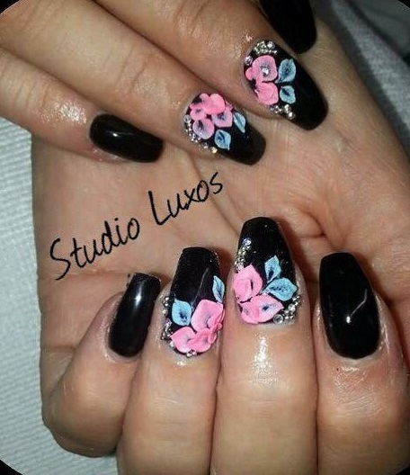Black Nails With Pink Flowers