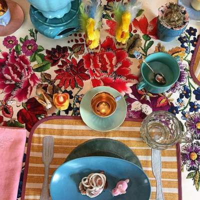 Bright Pastel Color Easter Table Decoration Idea