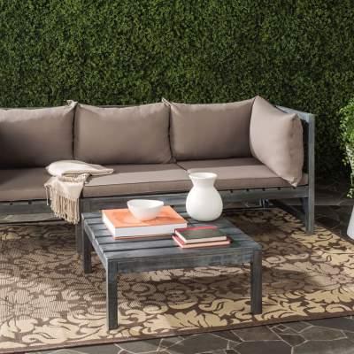 Cozy backyard decor in summer