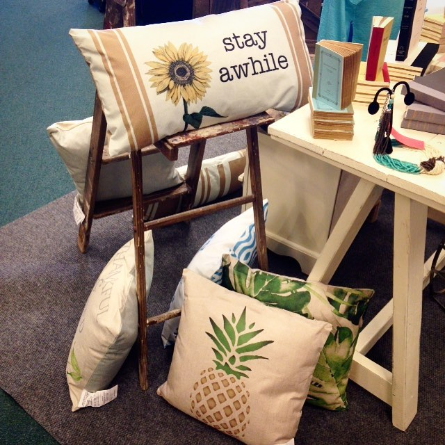 Fabulous Indoor And Outdoor Pillows For Summer
