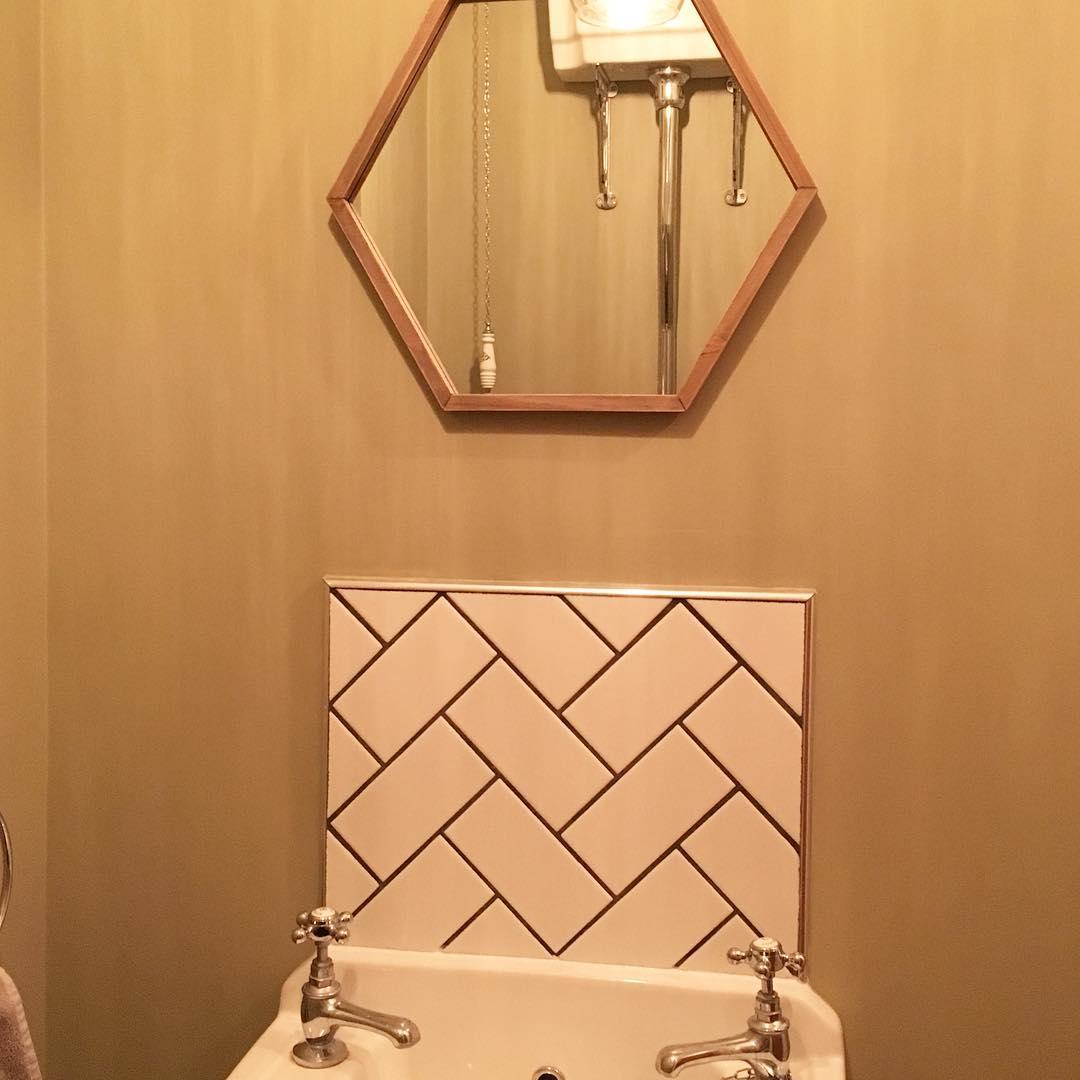 Hexagon Mirror Looks Fabulous