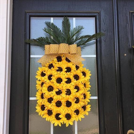 Lovely Fresh Sunflowers Is Arranged As Pineapple Shape Wreath