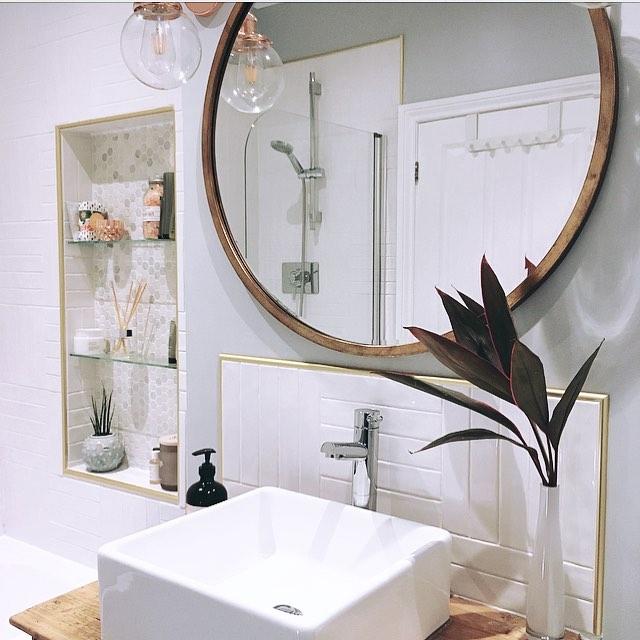 Lovely circular Mirror With Counter Top Basin