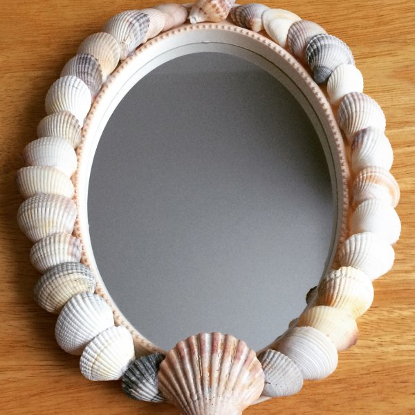 Shell Decorated Oval Shape Bathroom Mirror