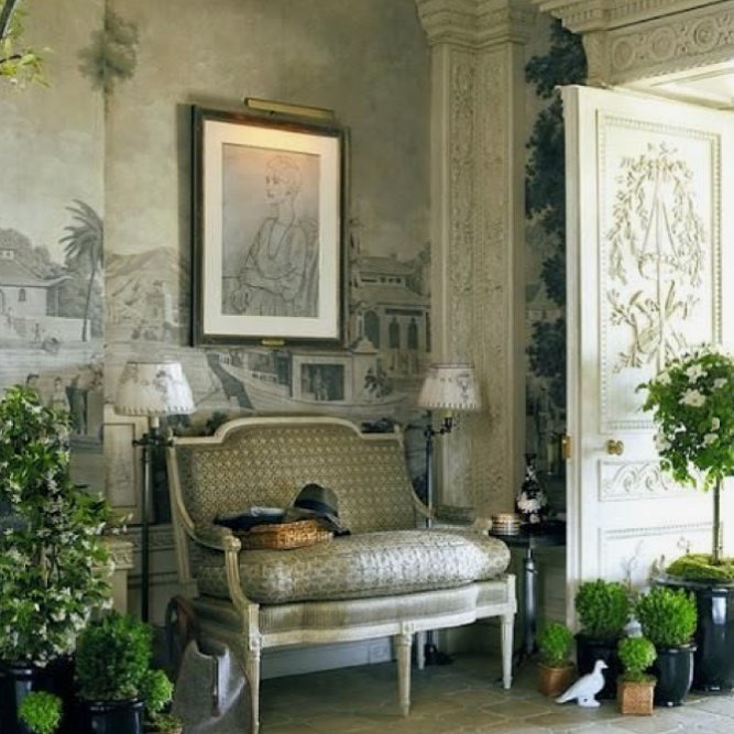 Vintage Style Home Decor With Indoor Plants For Pleasant Look