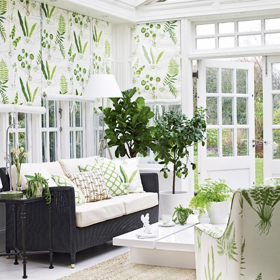 White And Green Summer Living Room Decor