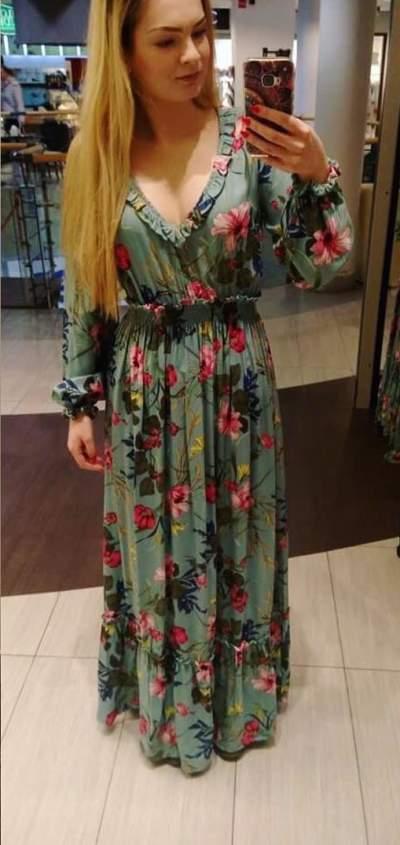 Alluring Floral Print Maxi Dress