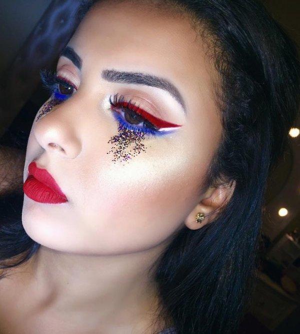 Artistic Glittery Eye Makeup