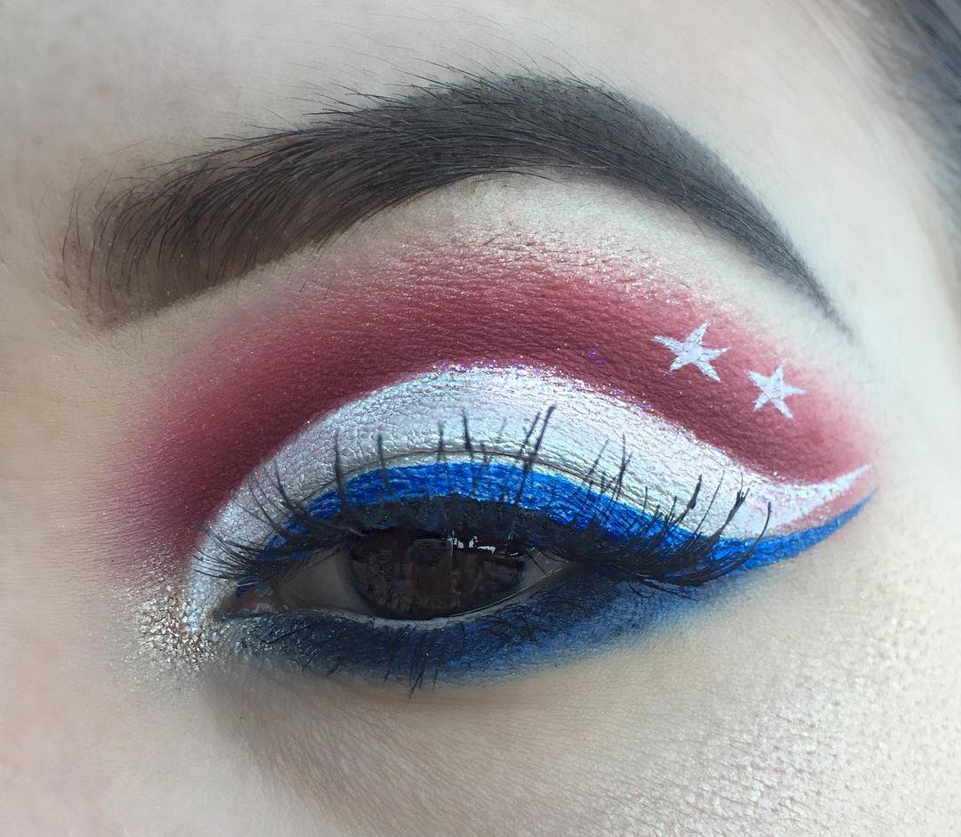 Awesome Patriotic Day Makeup