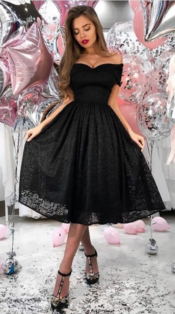 Black Low Shoulder Lace Midi Dress And High Heels For Night Out In Summers