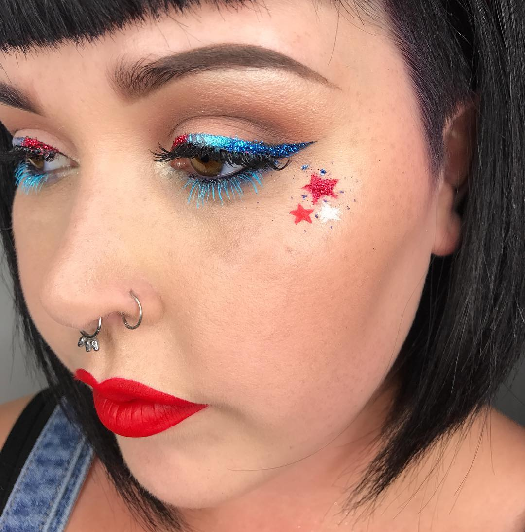 Cool Holiday Makeup Idea