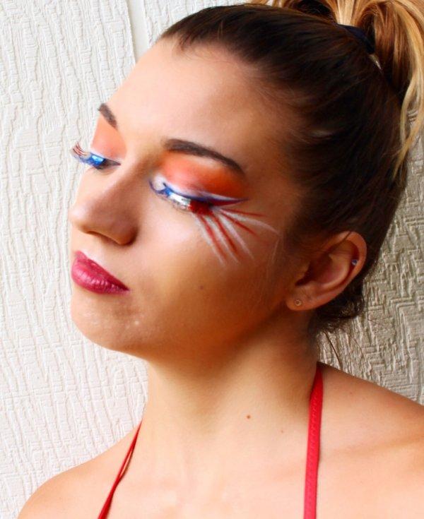 Dashing Patriotic Makeup Idea