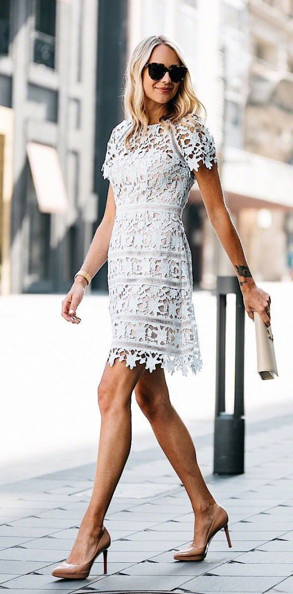 Dazzling Lace Dress With High Heels