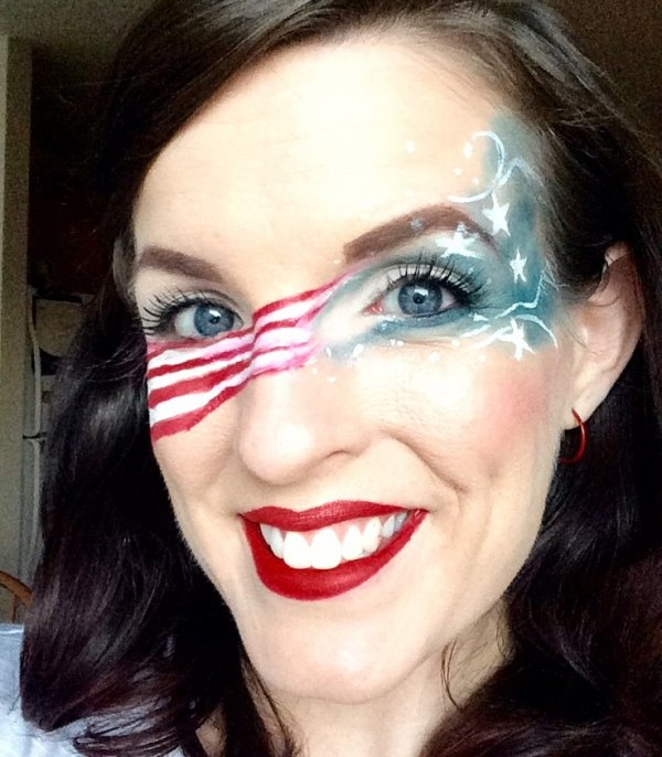 Glamorous Fourth Of July Eye Makeup