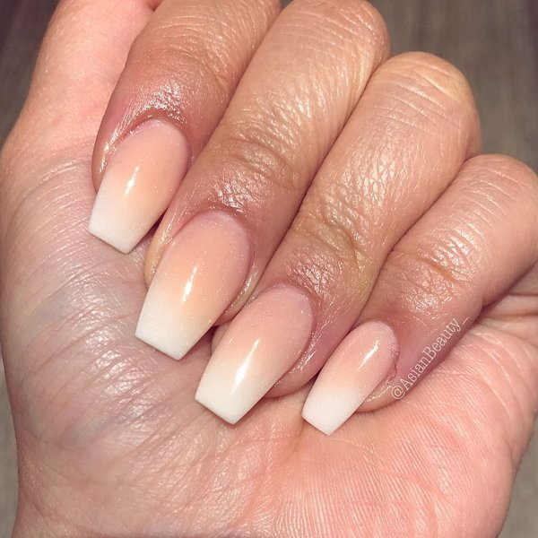 Good Blend Of Peach Ombre Nails