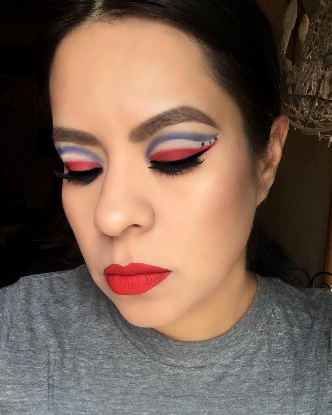 Nice Patriotic Eye Makeup
