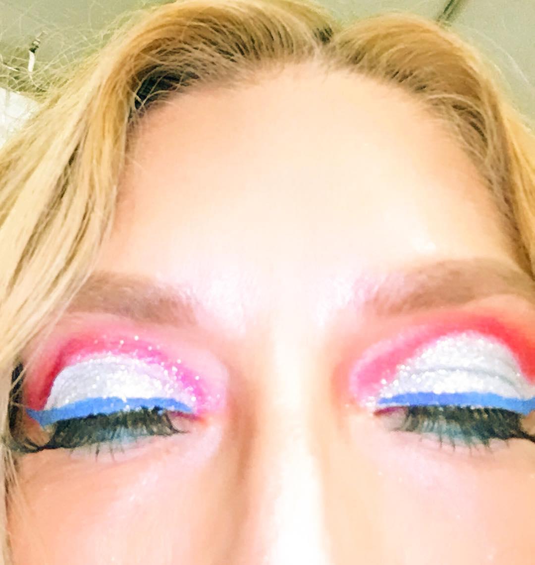 Rocking Glittery Eye Makeup