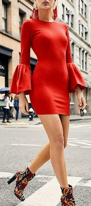 Rocking Summer Party Dress With Beautiful High Heels